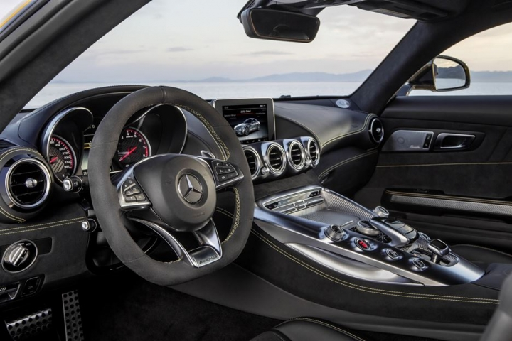 Mercedes AMG GT 11