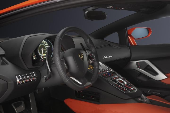 Lamborghini Aventador 42