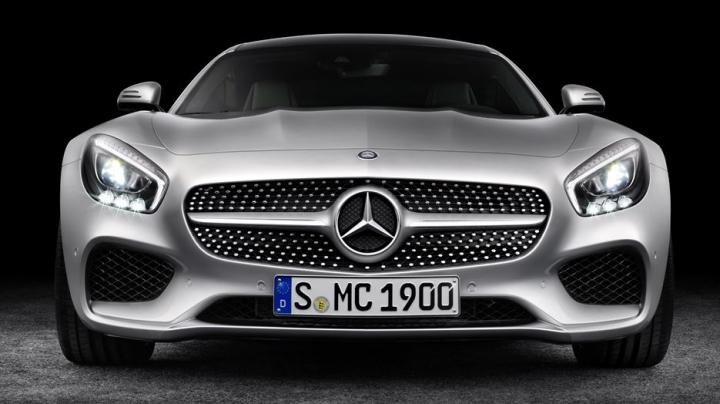 Mercedes AMG GT 4